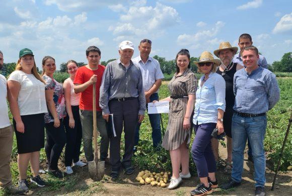 Сотрудники ВНИИБЗР приняли участие в Дне картофельного поля